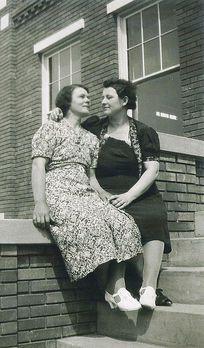 6ff08229f469702e418784c363ab7d80-lesbian-photography-vintage-lesbian.jpg